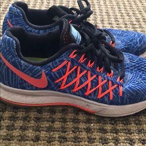 ffa0751eaaab Women s Peach Colored Nike Running Shoes on Poshmark